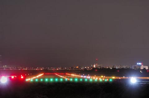 富山空港の夜景